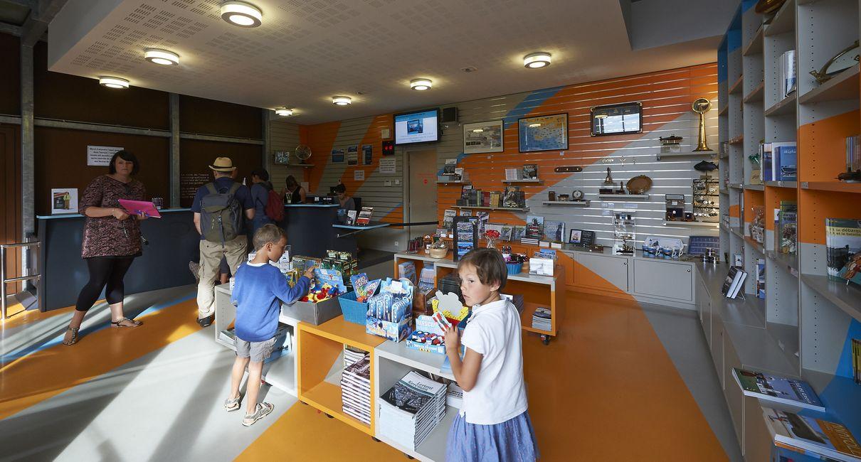 la boutique du sous-marin flore à lorient