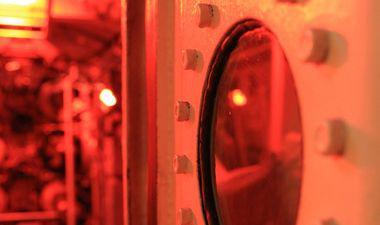 lumière rouge dans sous-marin