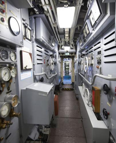 les tableaux de bord du sous-marin flore à lorient