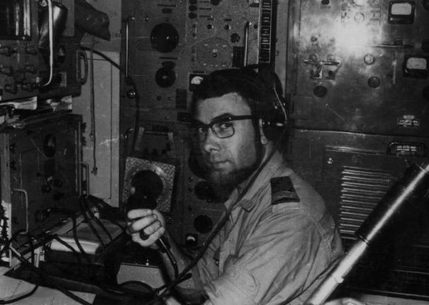sous-marinier à bord écoute